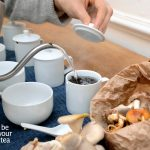 theesommelier Jozefien Muylle proeft paddestoelen, combineert ze met thee van Be Your Tea en ontdekt verrassende combinaties